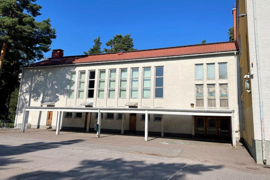 Saneeraus siirtyy Pitäjänmäen peruskoulun lähelle
